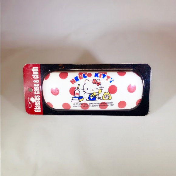 4482ffd50 Hello Kitty Glasses & Case. M_5a6800af85e605a934af76cb